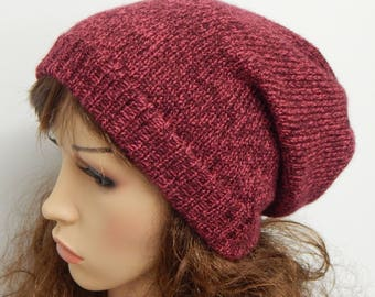 Knitted women's slouch hat, handmade winter beanie, gift idea for her, knit slouchy beanie, red hat, baggy beanie, cute slouch hat