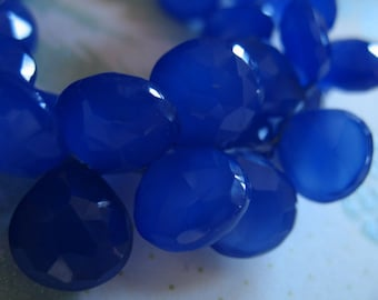 Chalcedony Heart Briolettes Beads, Luxe AAA / 2-10 pcs, 9.5-10.5 mm / Cobalt Blue Faceted, brides bridal september birthstone  solo 1012