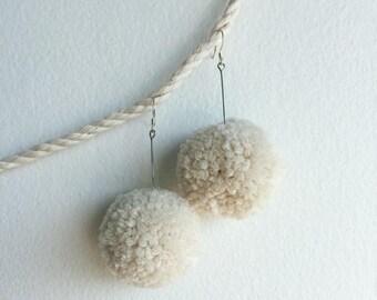 Pompom Earrings – Cream