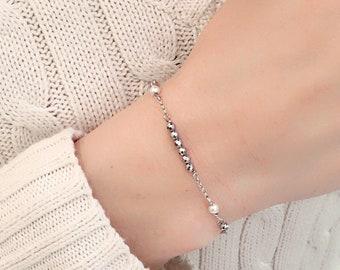 Delicate hard stone bracelet, bar bracelet, arg gold bracelet, layered bracelet, beaded bracelet, dainty bracelet, modern bracelet