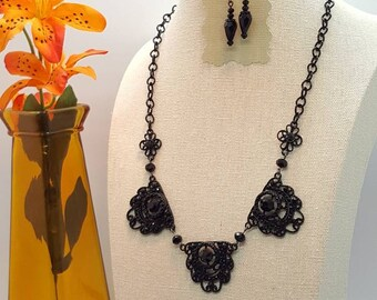 Black Metal Gothic Choker with matching earrings