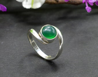 Natural Green Onyx Round Gemstone Ring 925 Sterling Silver R085
