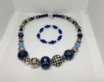 Navy blue beaded necklace 18in.
