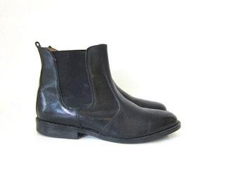 Black Leather ankle boots Vintage Beatle boots Chelsea western shoes cowboy boots size 7 men's or 10 women's