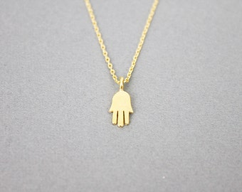 Tiny Hamsa Pendant Necklace Simple and Modern Everyday Necklace Dainty Necklace