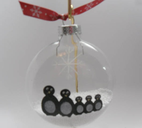 Hand painted Ornament Personalized - Family Christmas Ornament, Penguin Families, Snow