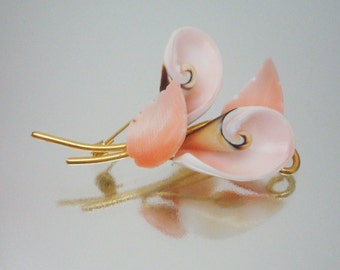Luahanus Shell Art Pin Brooch Peach Pink Carved Jewelry Vintage
