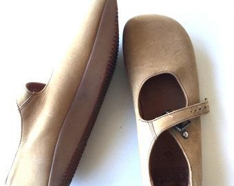 Genuine Roots Negative Heel Mary Jane style shoe
