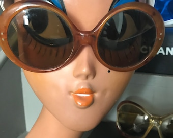 Vintage brown oversized round sunglasses - no branding or label