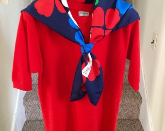 100% authentic Vintage Chanel red cashmere crewneck sweater