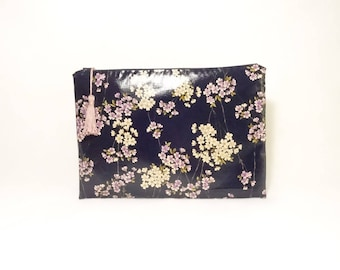 Dark blue large flat pouch or toiletry bag ankle