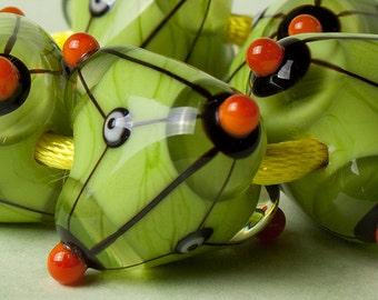"""GlassGeoBeads - """"Green tetra"""""""
