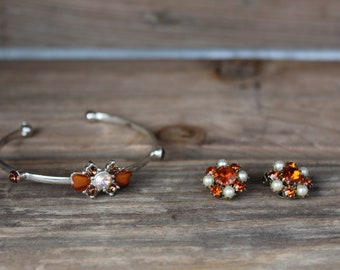 Boho Jewerly Vintage Amber Glass Cluster Clip Weiss Ear Ring Set and Bracelet - Aurora Borealis Weiss Earrings - Rhinestone - Pin Up Jewerly