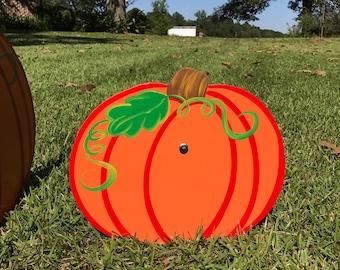 Fall Pumpkin Yard Decor