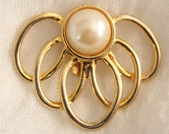 Vintage Gold And Pearl Shoe Scarf Or Sweater Clip . Bluette France