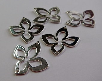 Jewelry Component ~ Flower Connector ~ Charm ~ Link ~ Metallic Silver