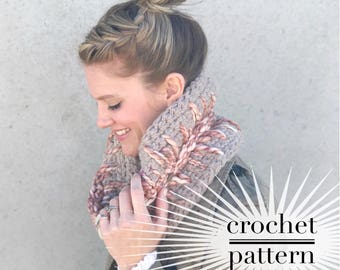 Crochet Cowl Pattern / Chunky Crocheted Circle Scarf / Light Of My Heart Cowl