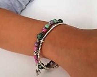 Young ladies bracelet set with heart charm
