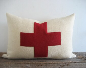 Lumbar Ivory Wool Blanket 12 x 18 Pillow Cover Red Swiss Cross