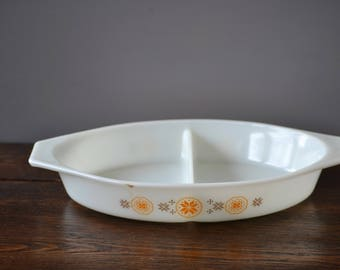 Pyrex Town & Country Divided Cinderella Serving Dish Oval / Orange eight point Stars / Mid Century Kitchen
