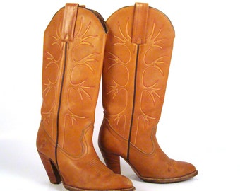 Frye Boots  Vintage 1980s Stacked Heel Carmel Brown Leather Women's size 6 1/2