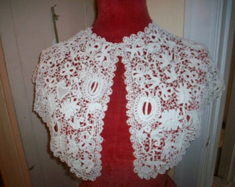 Breathtaking Antique lace collar/capelet Irish Crochet 1800s antique lace