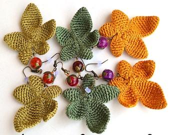 silk leaf earrings, autumn leaves earrings, fall earrings, autumn earrings, yellow earrings, grean earrings, funky earrings, yellow leaf