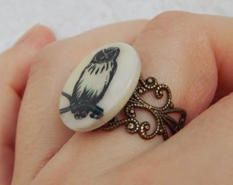 """OOAK Printed owl in mother-of-pearl round filigree adjustable ring """"OwO"""" in bronze tone"""
