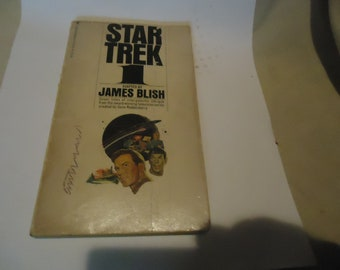 Vintage May 1975 Star Trek 1 Paperback Book by James Blish, 21st Printing, collectable
