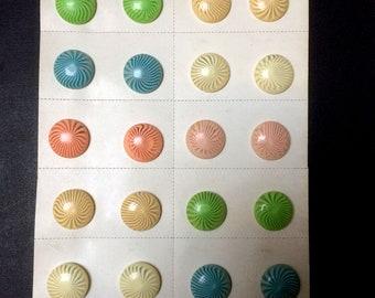 12 pairs of vintage earrings, clip resin spychadelique ridged pattern, 70s