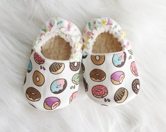 SALE!! Baby donut shoes, newborn shoes, Toddler shoes, moccs, soft soled shoes, crib shoes, baby shoes, vegan baby, organic moccs, baby mocc