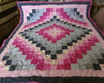 Handcrafted Handmade Pieced Pink Gray Trip Around the World Baby Crib Lap Throw Quilt Blanket Made in Arkansas Ozarks