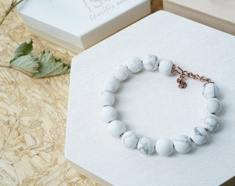 Simple elegant Howlite Beaded Bracelet with Plated Rose gold
