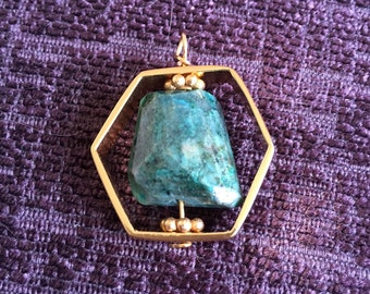 Chrysocolla pendant in goldplated copper