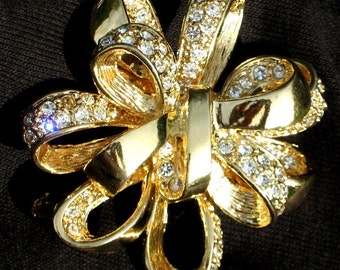 Brooch Pin Vintage Rhinestones Wedding Haute Couture Designer Signed Bride Bridal Runway Statement Bow High Relief Bling Pave Crystals Roman