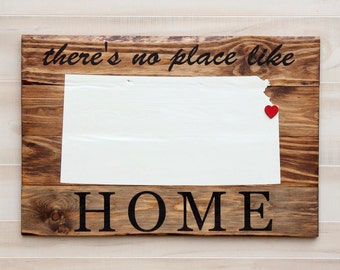 "Kansas or any US state rustic wood state shape sign wall art - No Place Like Home. 21x30"". Pallet reclaimed wood. Country Chic, Cabin, Decor"
