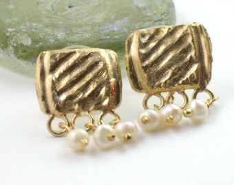 Gold Pearl Posts, Pearl Gold Earrings, Bridal Post Earrings, Stud Earrings Pearl, Small Dangle Studs, Gold Earrings Pearl, Pearl Earrings