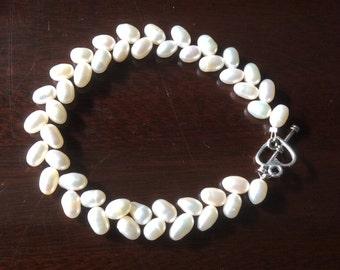 New handmade ivory freshwater pearl bracelet