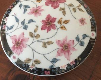 Vintage Otagiri Porcelain, Trinket, Jewelry box, Made in Japan.