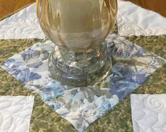 Quilted table topper, table centerpiece, octagon table topper, Blue table Decour, blue and cream table topper, blue table runner