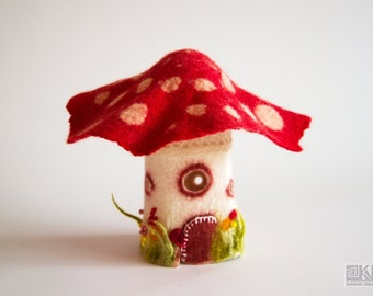 Felted fairy lamp, Toadstool house, Waldorf nursery, Night light lamp, Mushroom lamp, Felted lamp cover, felted wool lamp