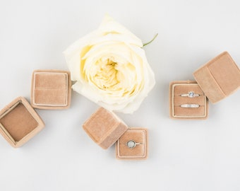 Velvet ring box - Vintage ring box - Wedding - Gift