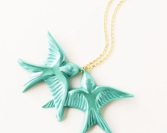 Clearance sale Teal green vintage plastic swallow love birds gold necklace