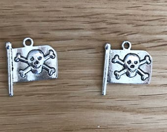 Antique Silver Tone Tibetan Silver Jolly Roger Pirate Flag Pendant Charms 22mm x 19mm