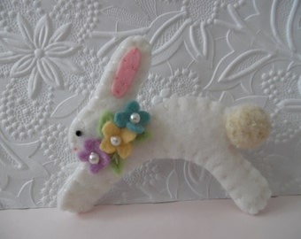 Felted Brooch Easter Bunny Felt Baby Shower Gift Mom Flowers Pin Beaded