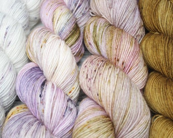 White to maple SOCK fade, so faded sweater, what the fade, free your fade, sock yarn, hand dyed yarn, speckled yarn