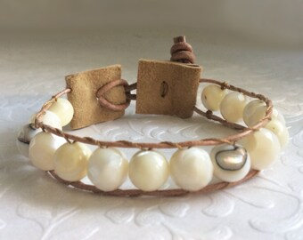 Mother of Pearl, Lambskin Leather Bracelet. Natural White, Abalone Shell Beads. Sterling Silver. Handmade, Unisex, Boho Chic, Wrap Bracelet