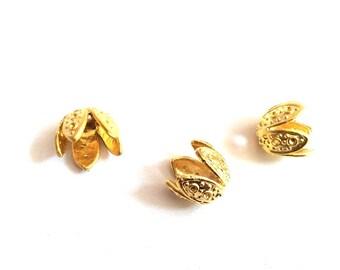 2pcs - Matte Gold Plated Five Pedals flower Bead Caps-10x13mm (008-051GP)