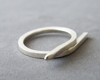 Minimalist Sterling Silver Ring Geometric Ring Modern Silver Jewelry by SteamyLab