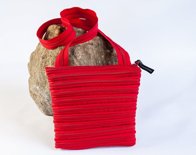 shoulder bag made exclusively from zipper, various colors